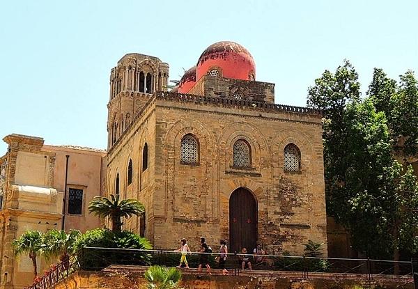 La chiesa di San cataldo a Palermo