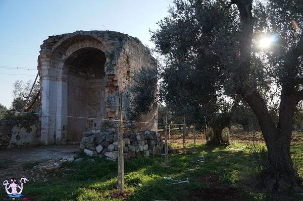La chiesa-cripta Madonna della Grottella in Arneo