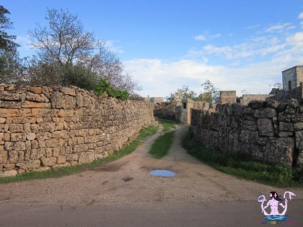 Castrignano, fra i monoliti del borgo contadino